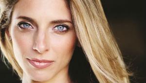 Janine Stange