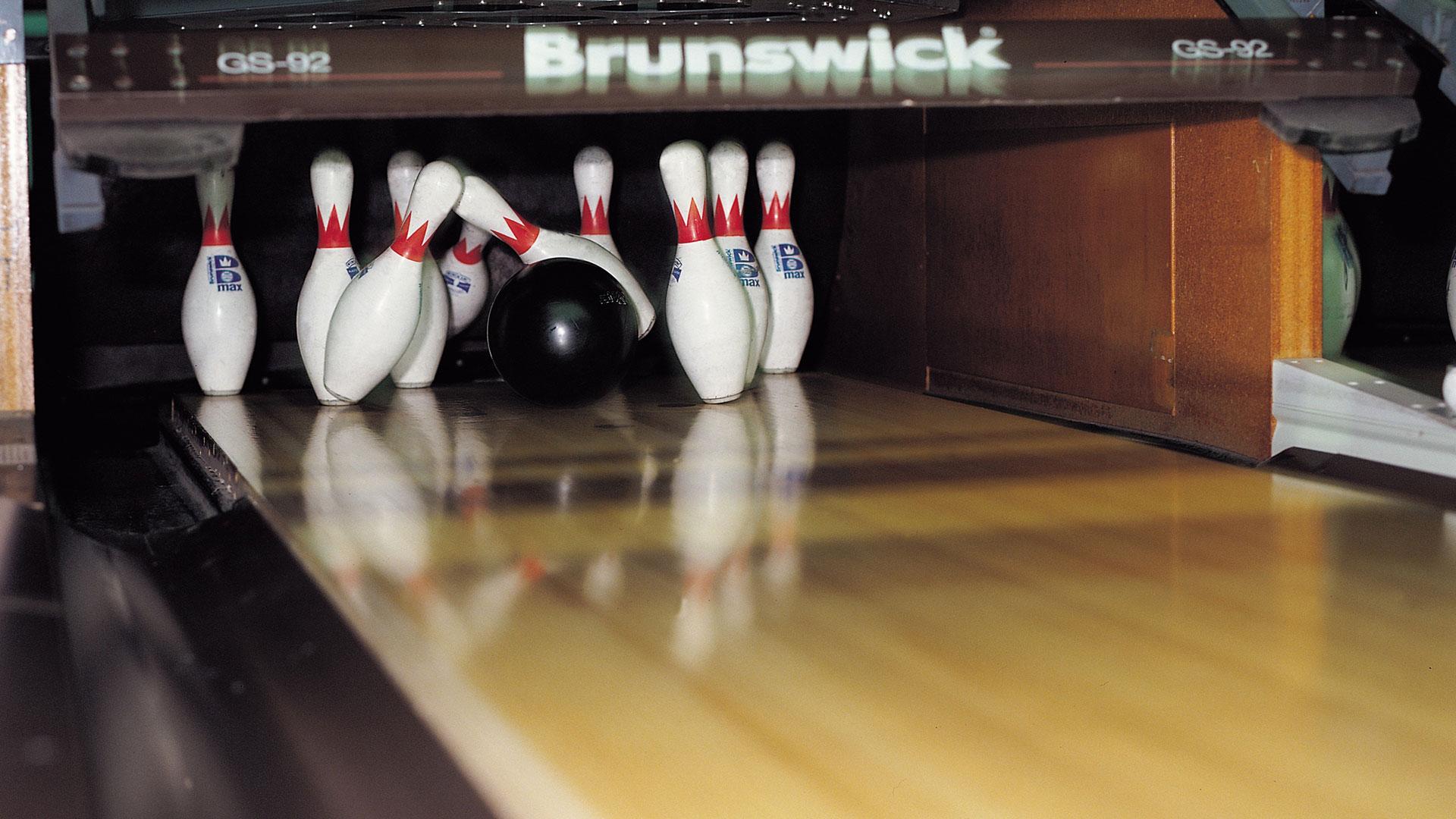 fantasy lanes bowling center