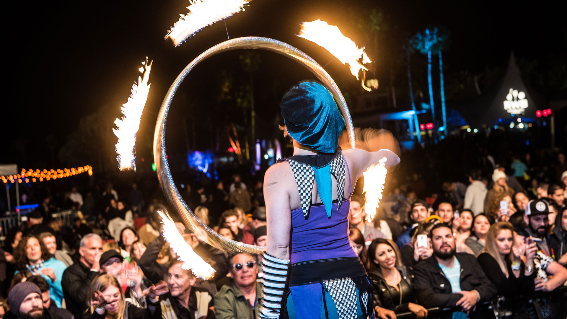 desert oasis music festival circus performers