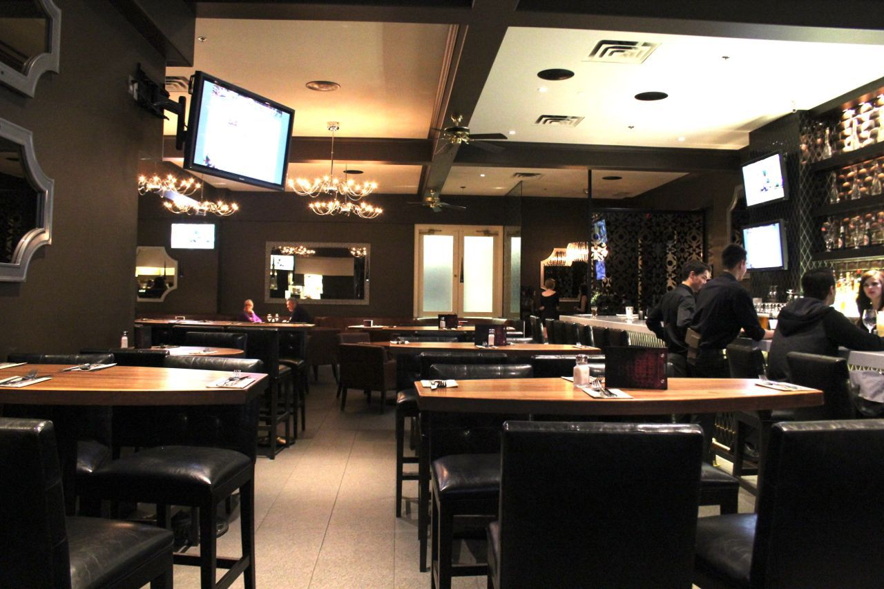 Earls restaurant Lansdowne Mall