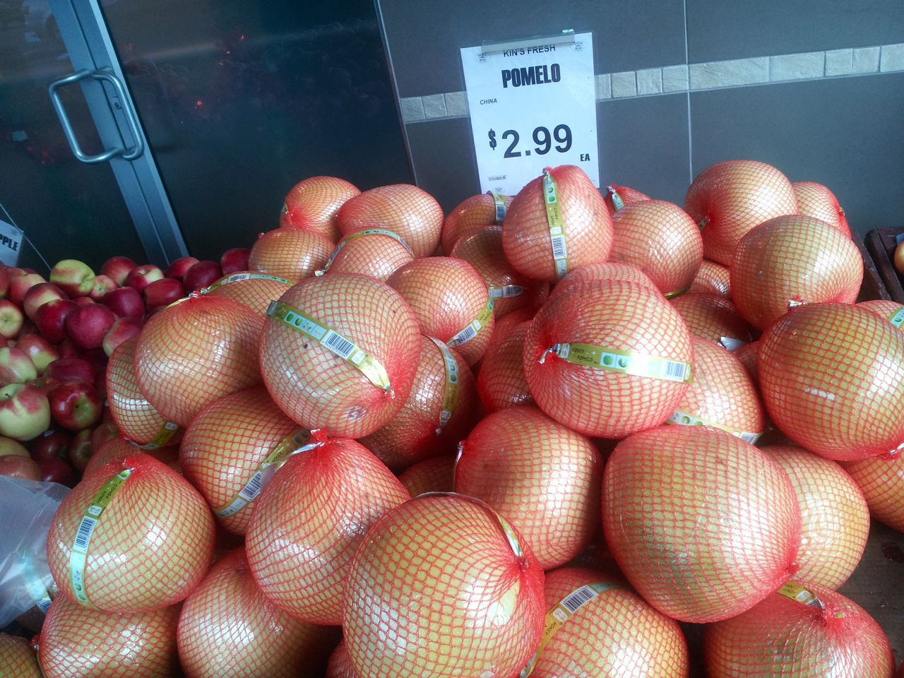 Pomelos at Kin's Farm Market