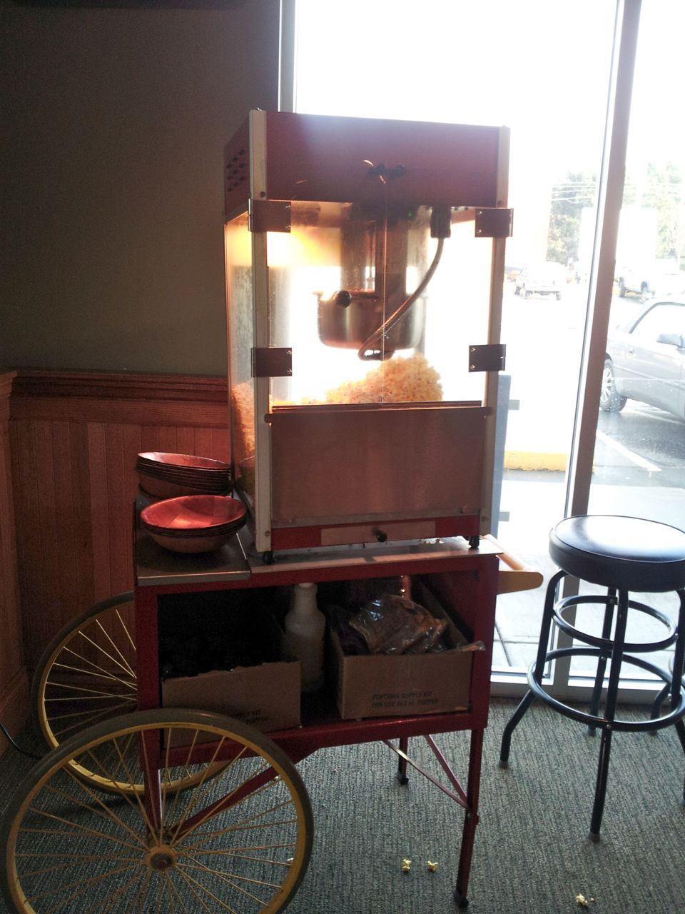 popcorn maker at Pioneer's Pub