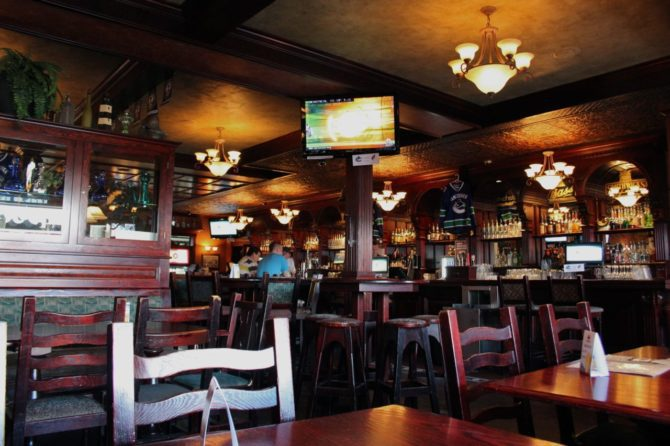 The Buck and Ear, interior
