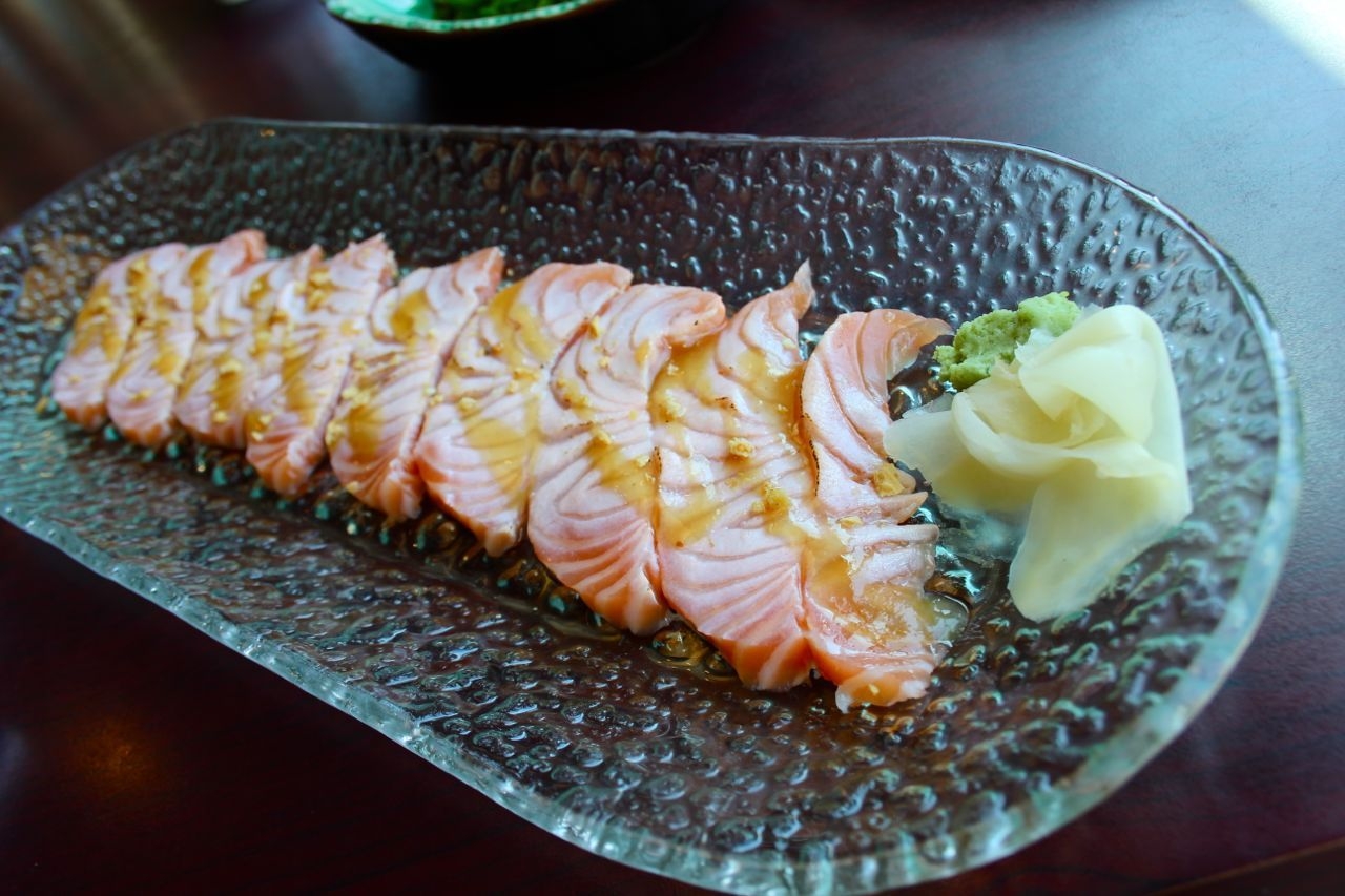 flamed salmon sashimi