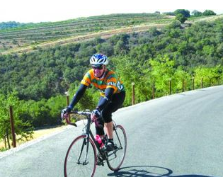 Cyclist in Paso