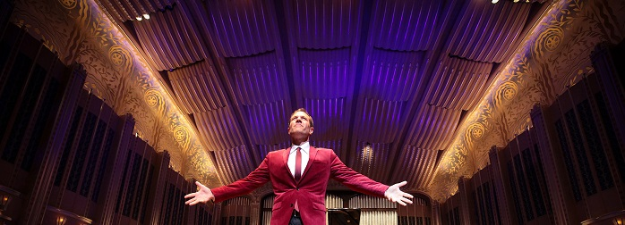Experience the holidays with rock icon Michael Bolton.