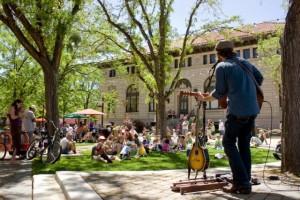 oak-street-plaza-noontime-notes
