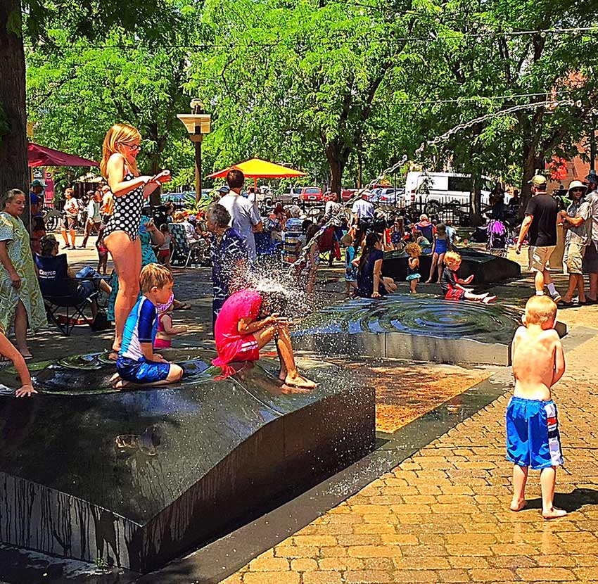 Oak-Street-Plaza-Fountains