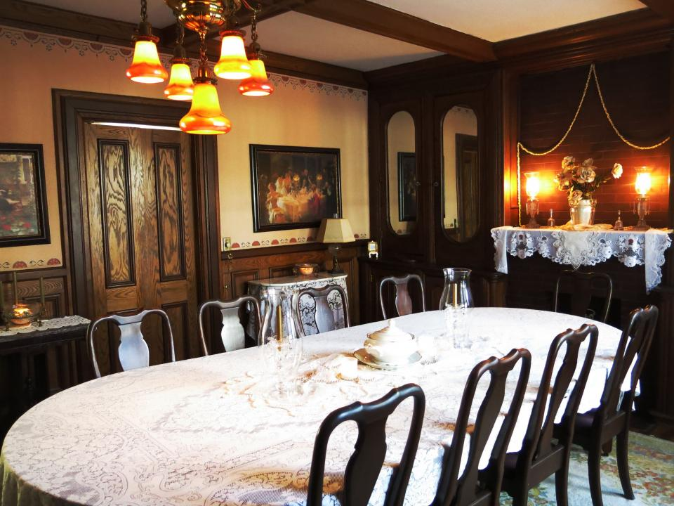 Dining Room at Rosewood Inn B&B