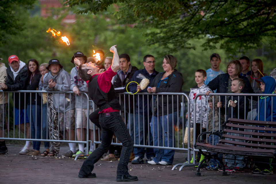 GlassFest Fire Eater courtesy of Cagwin Photography