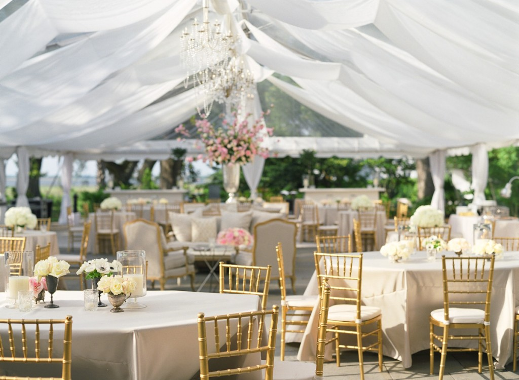Tent-Wedding-Decor-03