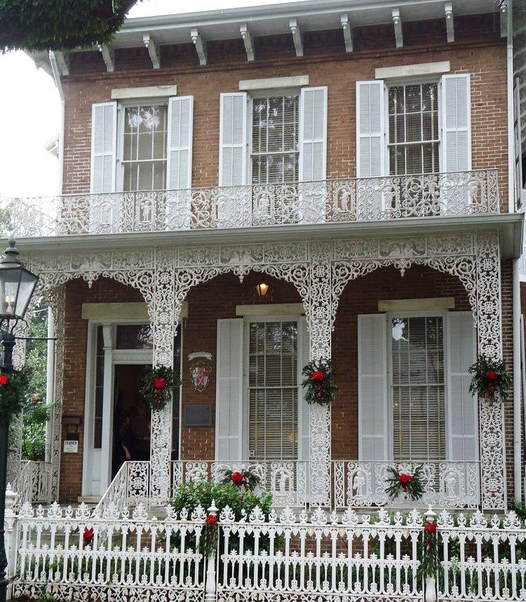 christmas-at-the-dar-house2