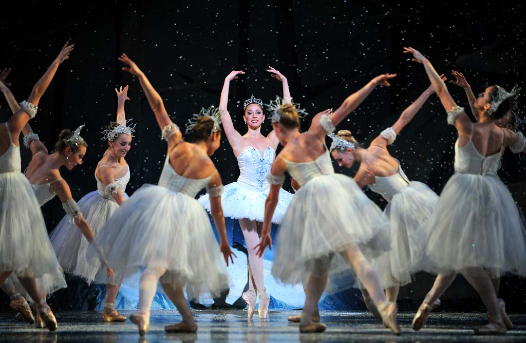 mobile-ballet-nutcracker-2