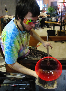 Hands-On Glass artist at work