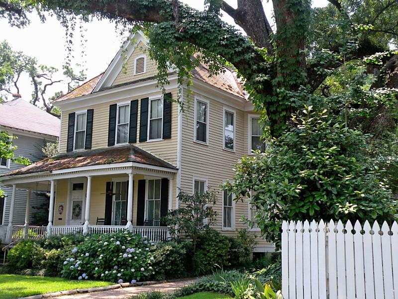 Visit Mobile AL  Historic Districts