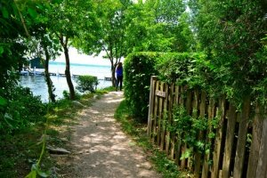 Lake Geneva Shore Path