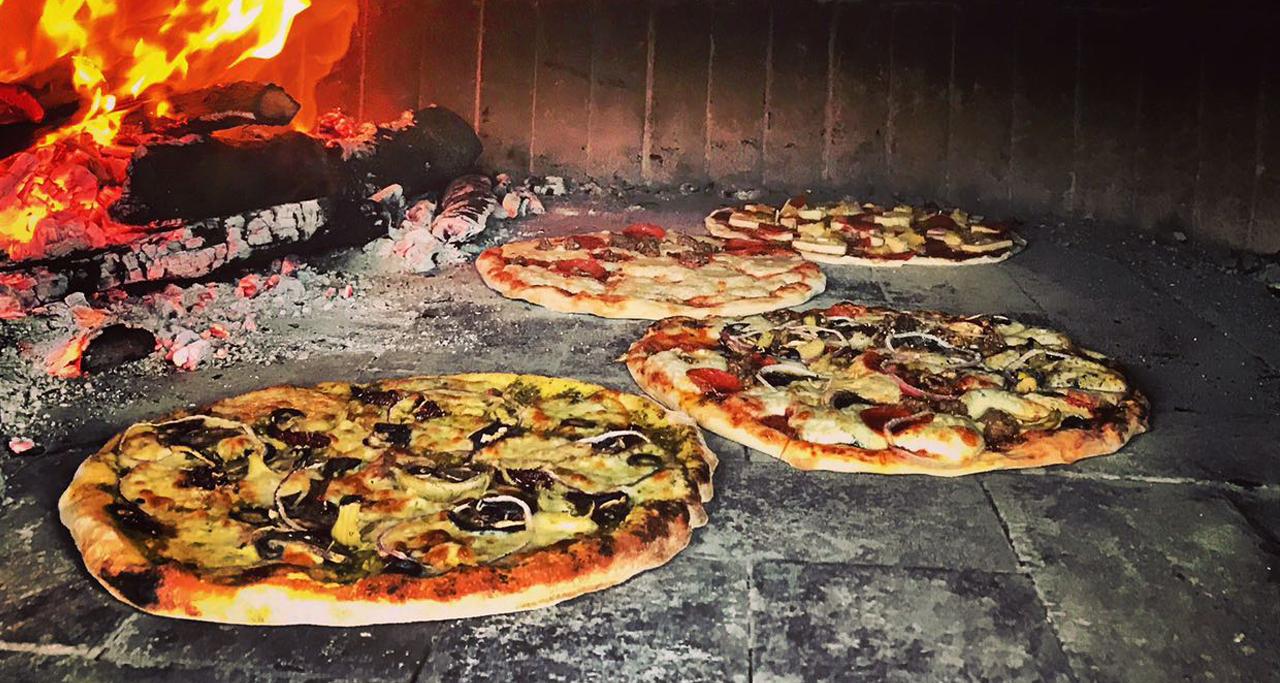 最富趣味設計理念的餐車:關島烈焰披薩 (Songge Guam Pizza)