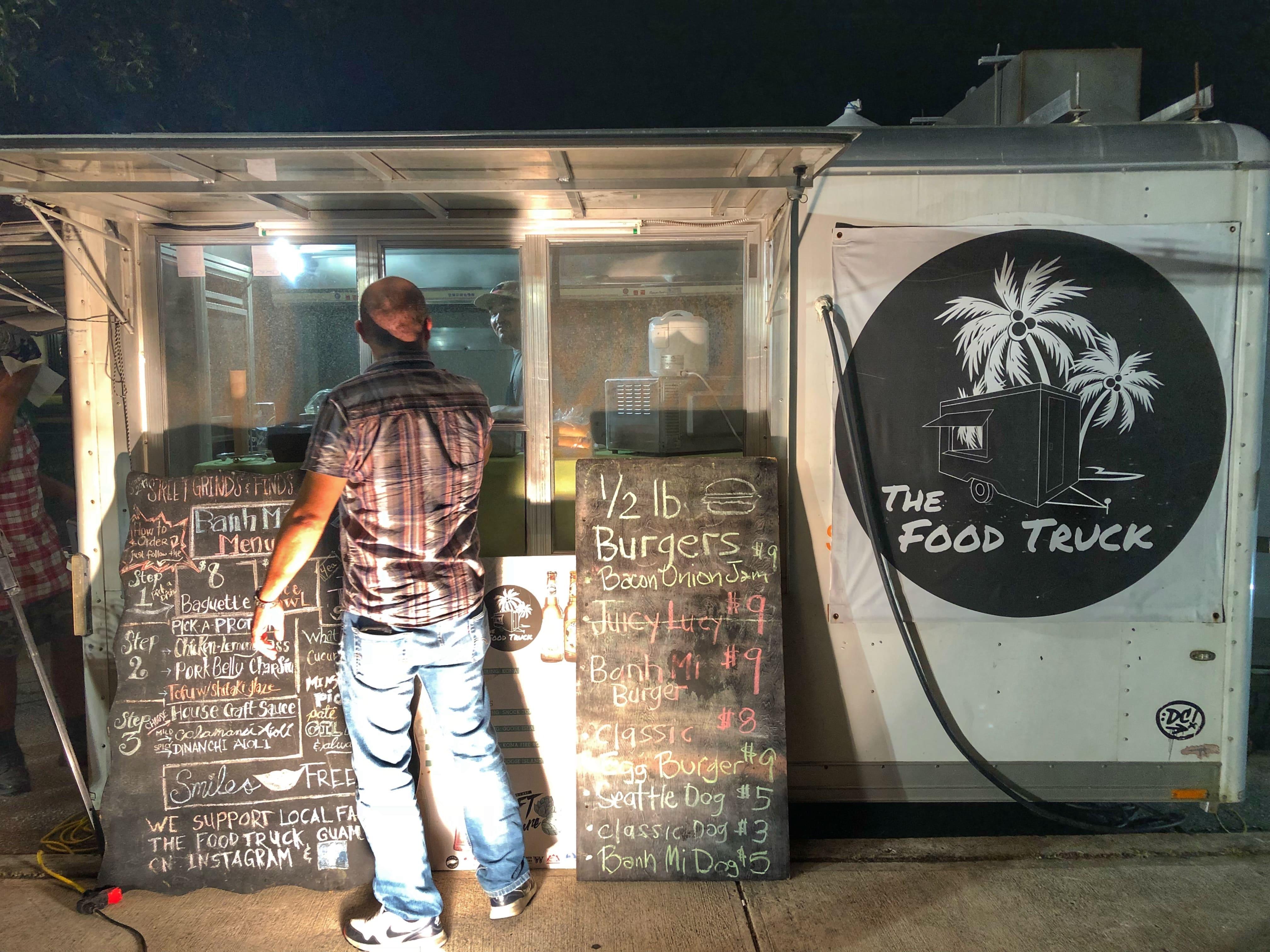 就是這台快餐車 (The Food Truck) ,盡其所能使用在地食材