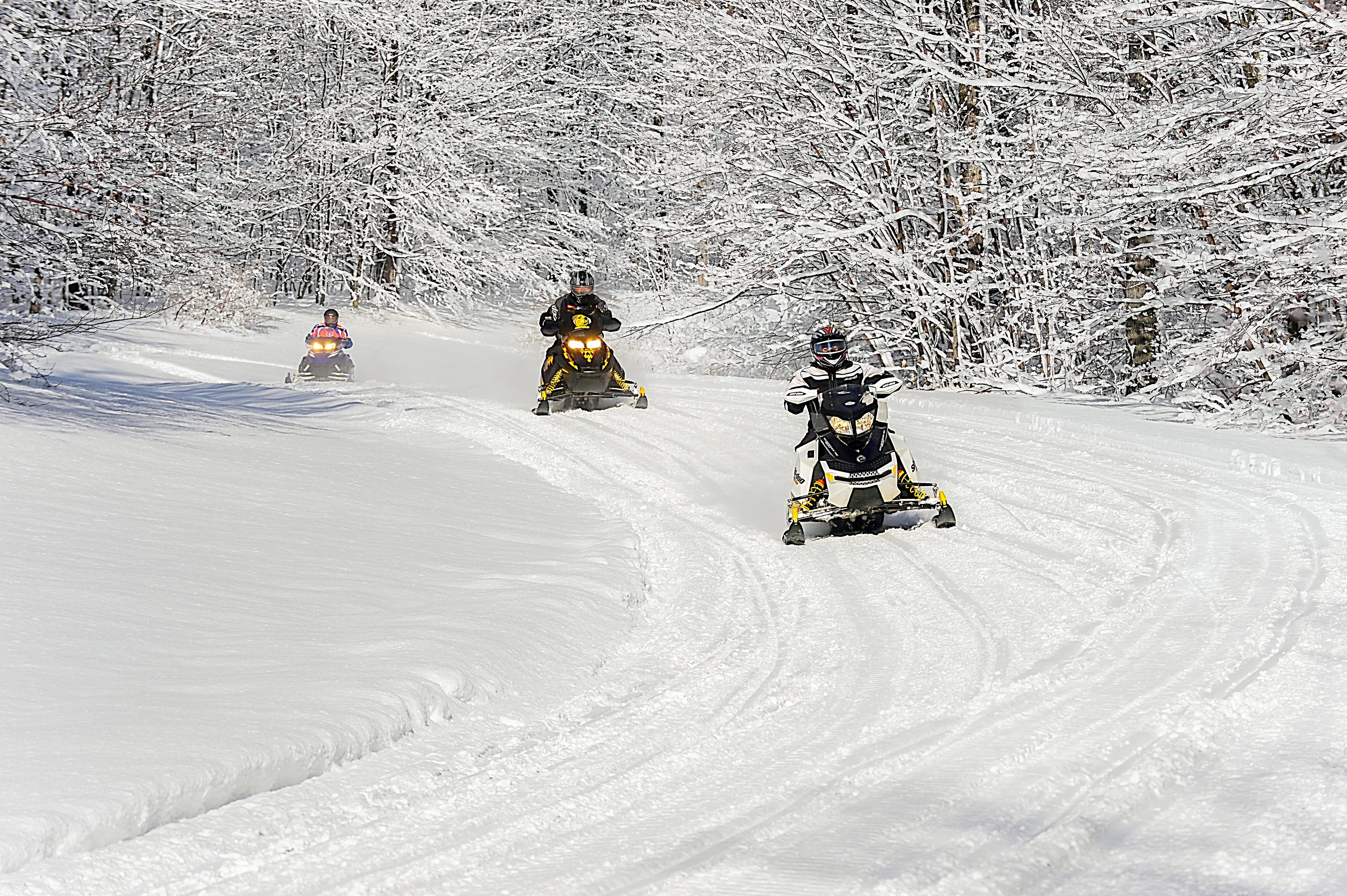 18d87baa226 Snowmobiling in New York