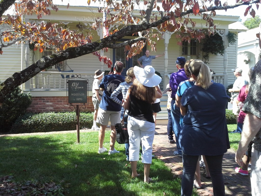 Old Town Historic District Fall Walking Tour in Huntsville, Alabama via iHeartHsv.com