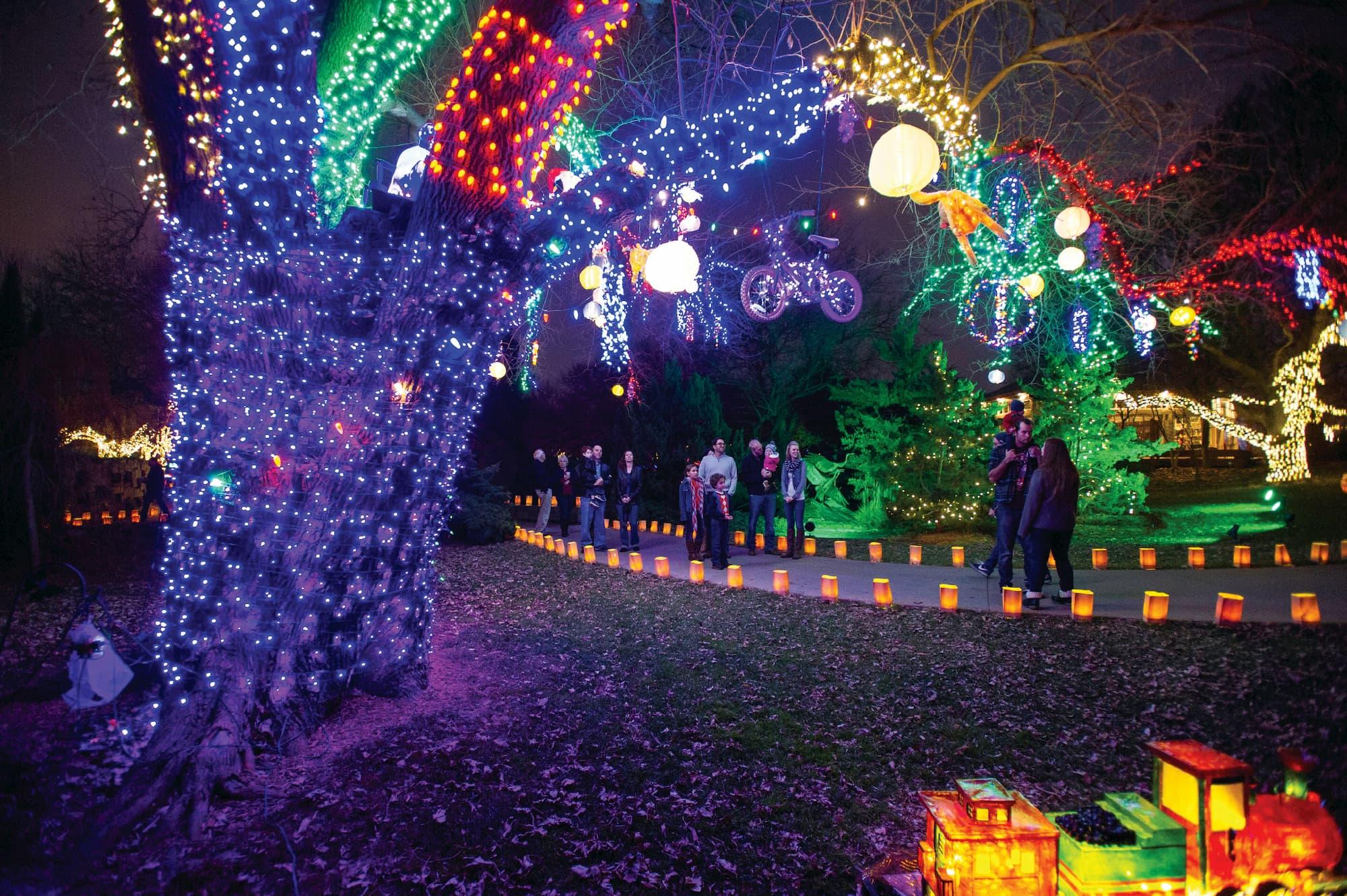 Christmas Light Wichita Ks 2021 Map Illuminations At Botanica Wichita Best Holiday Lights