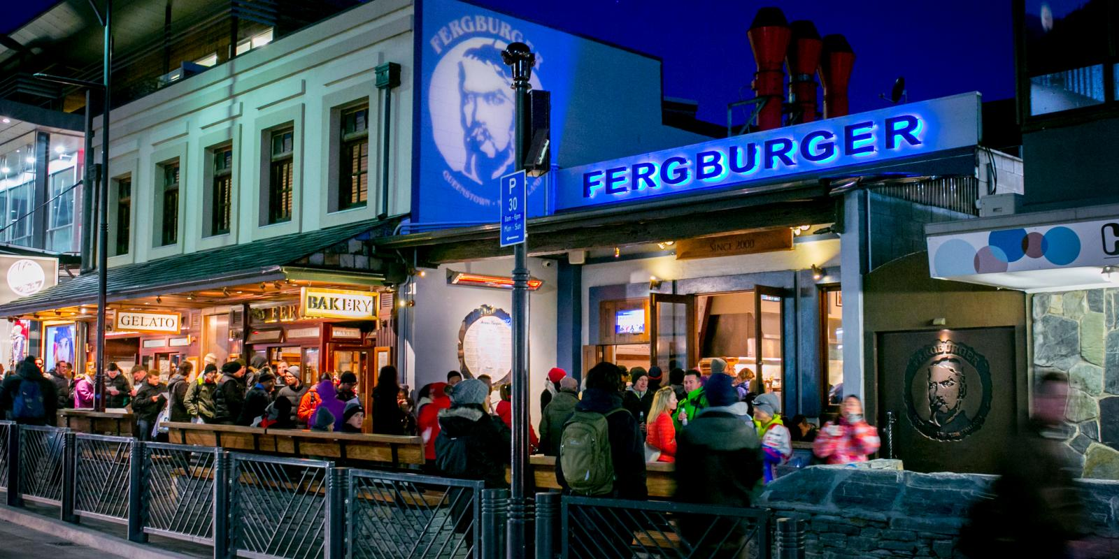 Fergburger at night