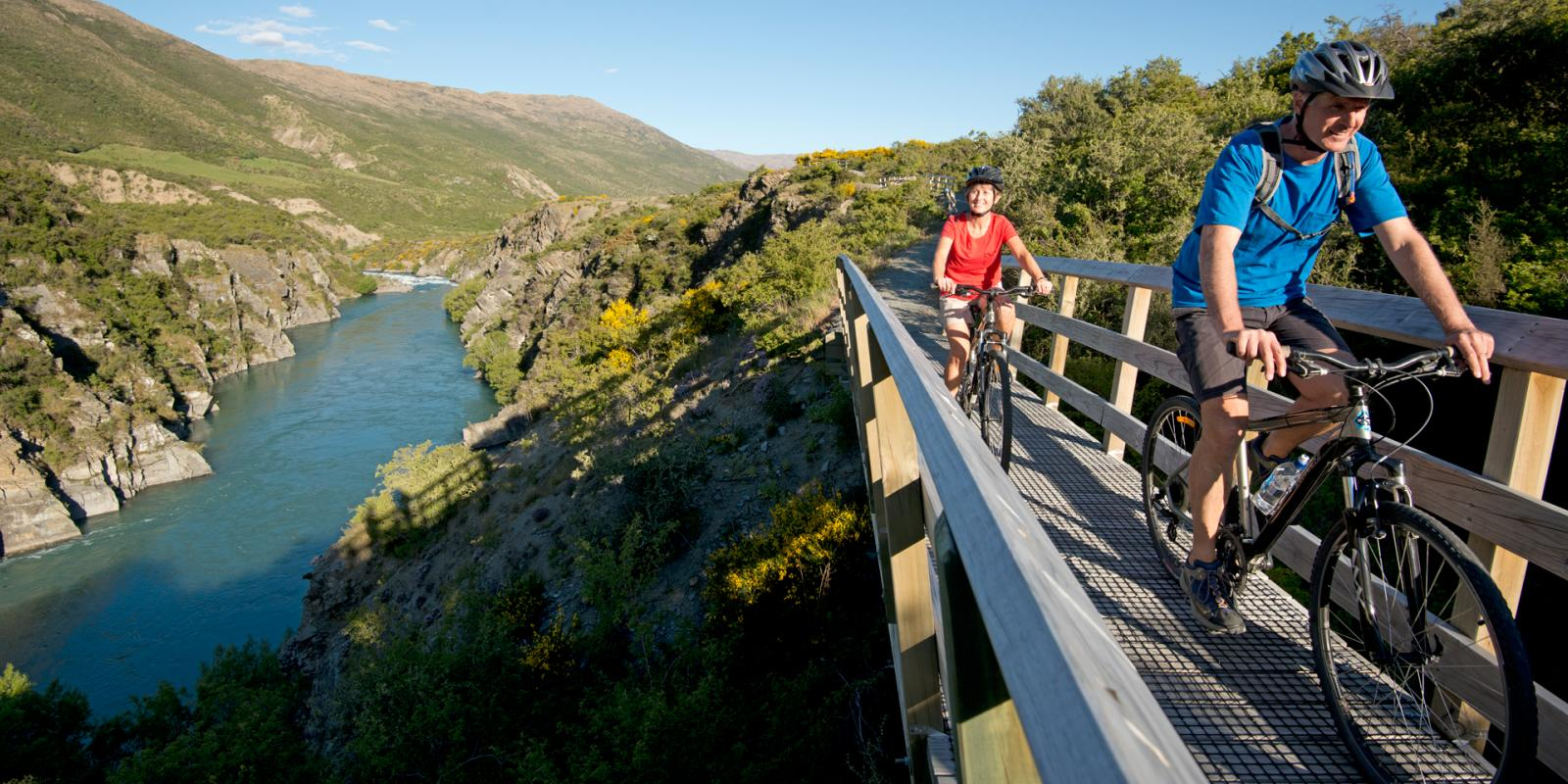 Couple Cycling Queenstown Trail