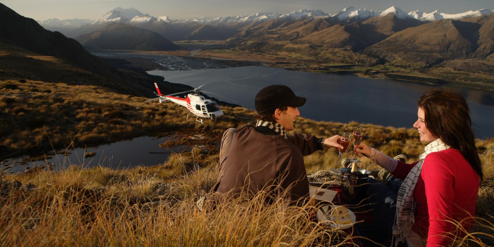 Honeymooning in Queenstown helicopter picnic