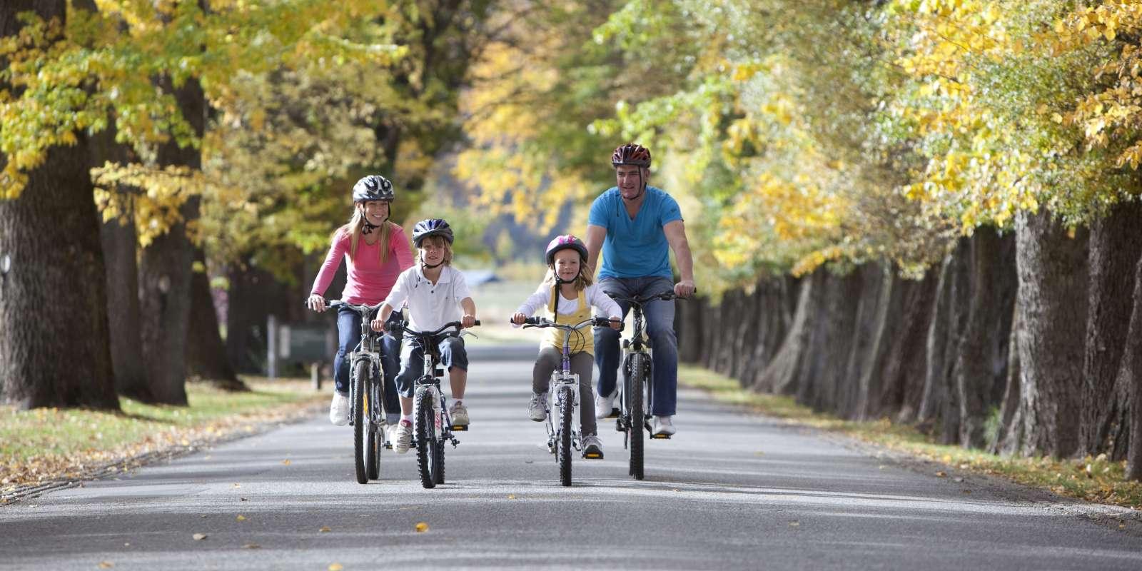 Family Biking Millbrook Arrowtown