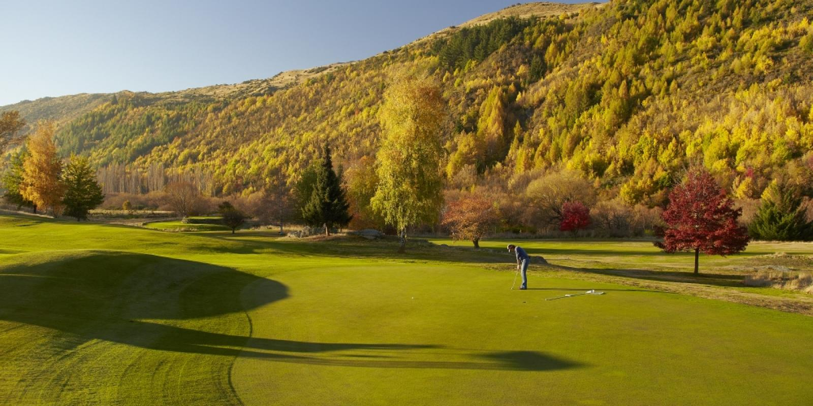 Arrowtown golf course in autumn