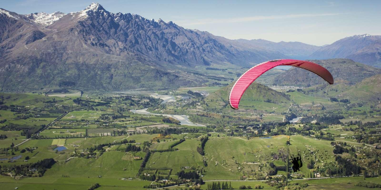 Paragliding coronet peak Queenstown adventure