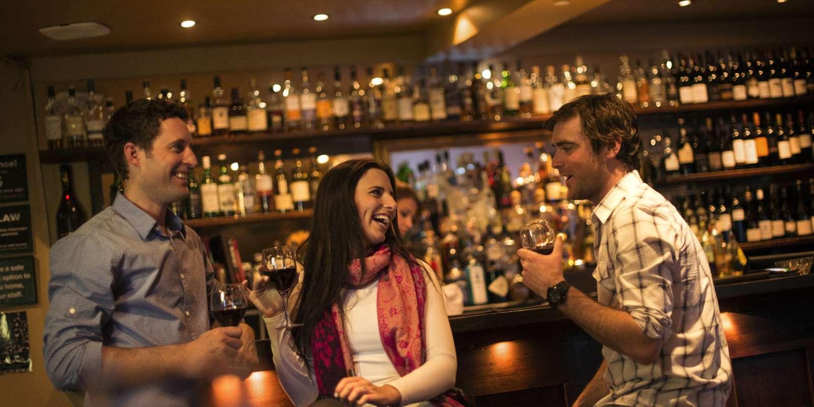 Friends having drinks at Bardeaux