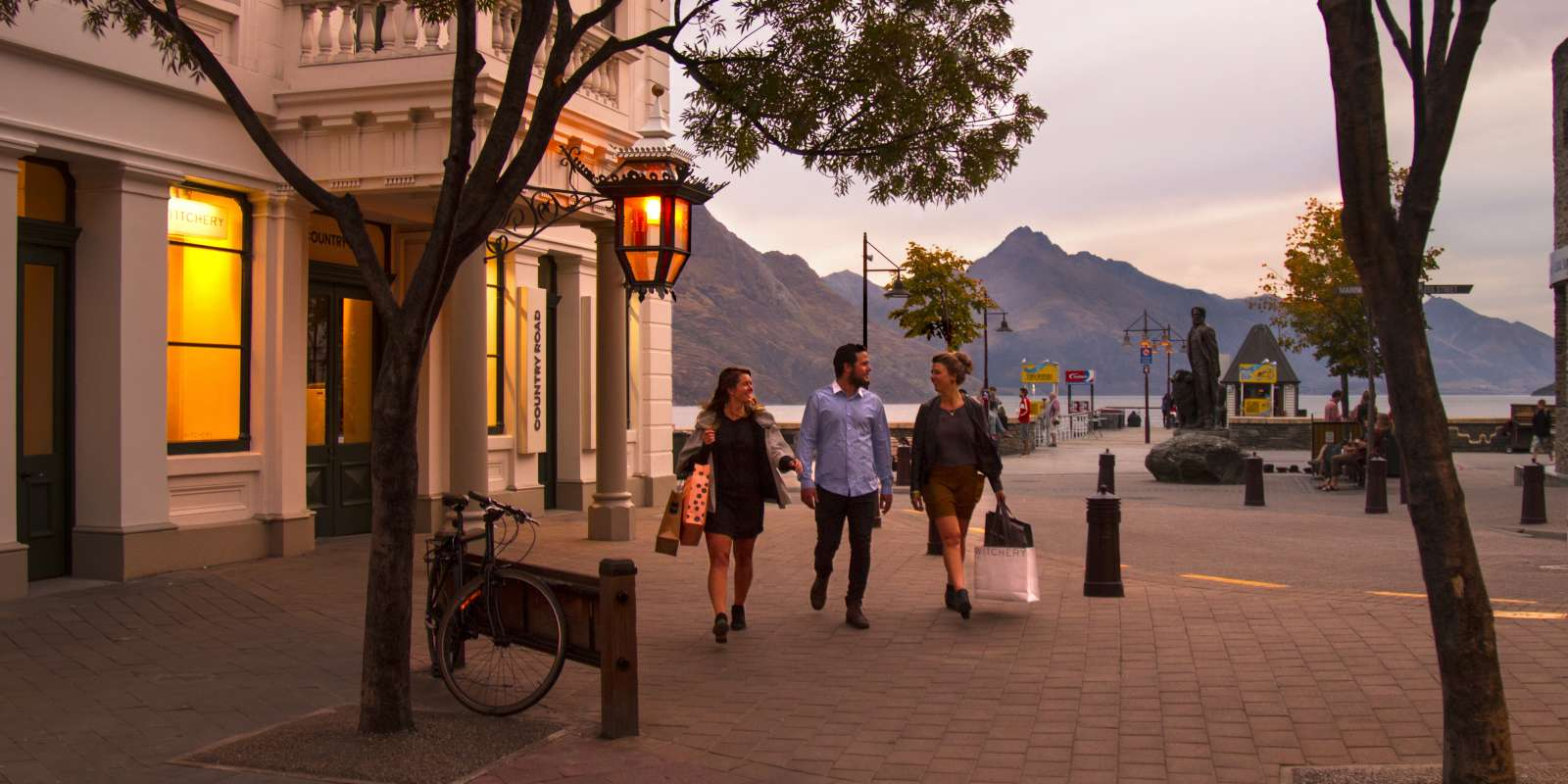 Shopping Queenstown Mall retail stores