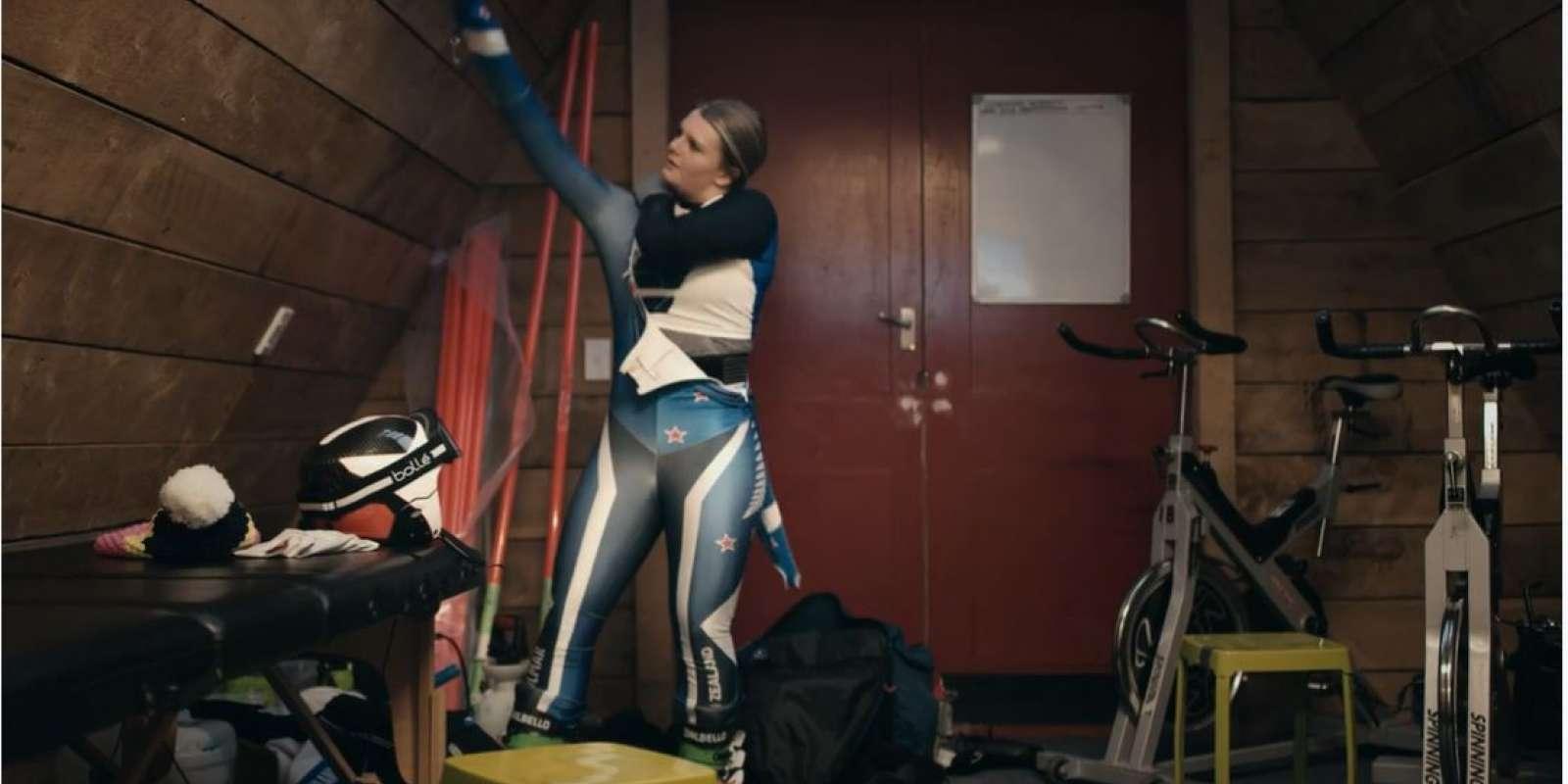 Alice Robinson, ski racer