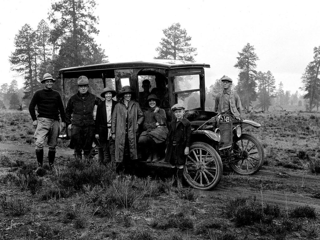 photo-19-1923-photo-depicts-an-excited-group-who-traveled-268-2-miles-from-salt-lake-city-to-bryce-canyon