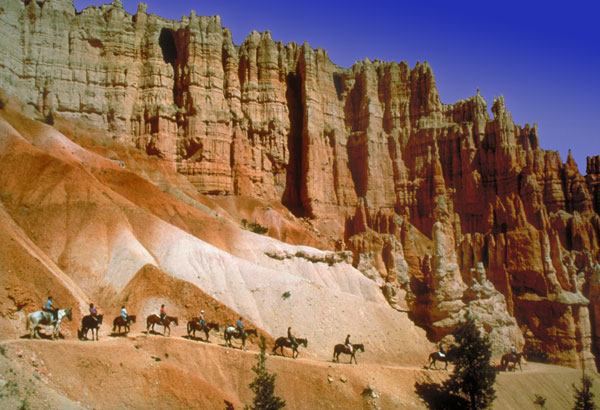 Horseback riding in Bryce Canyon Utah