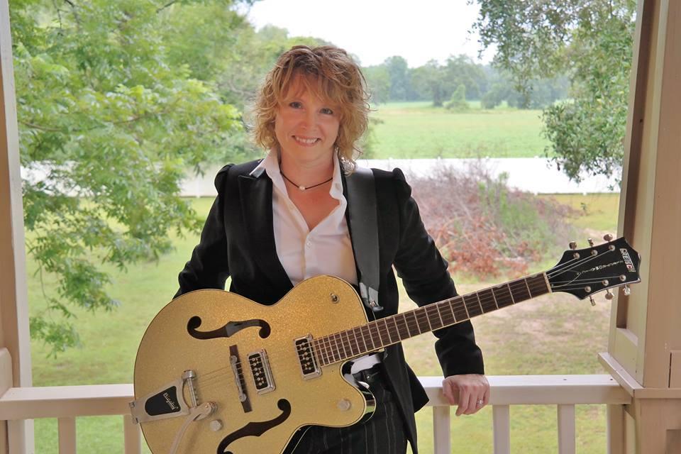 Live Music: Lisa Christian