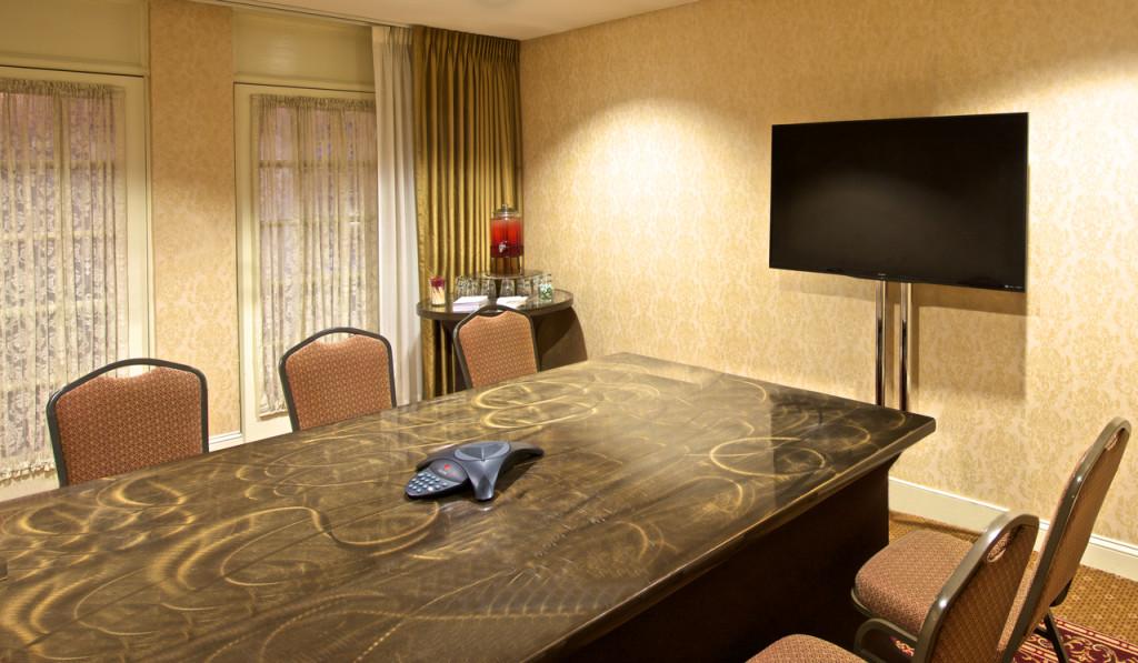 Abram Claude - Meeting Set Up