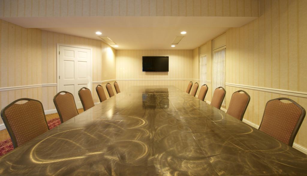 Abram Claude - Boardroom