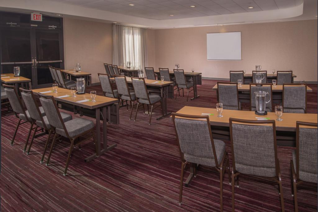 Meeting Room - Schoolroom Setup