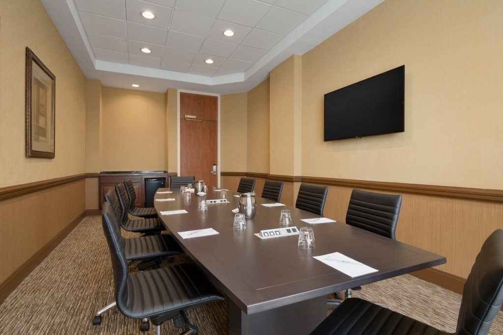 Embassy Suites BWI Meeting Space Board Room