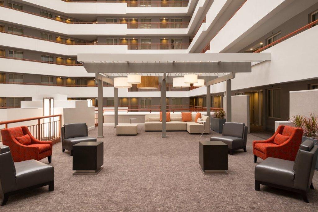 Embassy Suites BWI Indoor Terrace