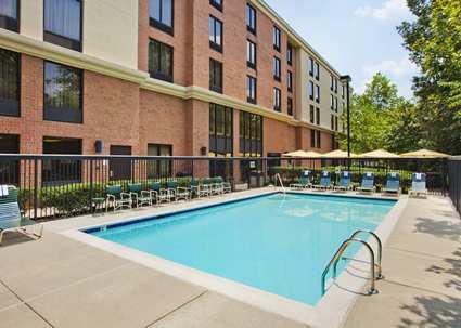 Hampton Inn and Suites Annapolis Pool