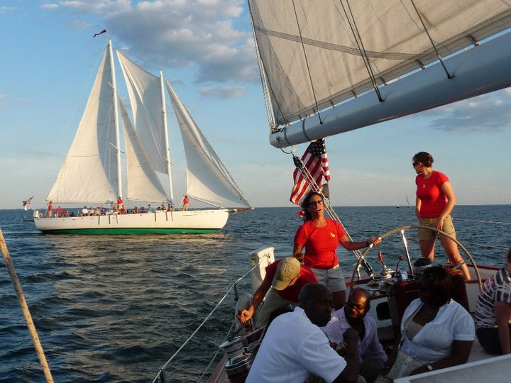 Racing on the two Schooner Woodwinds