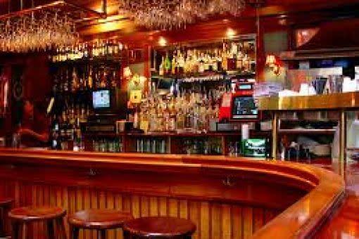 middleton tavern bar