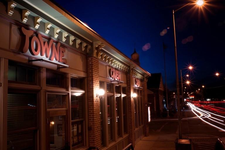 Towne Crier Cafe Classic Brunch