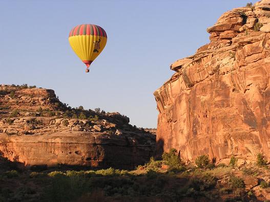 Canyonlands Ballooning