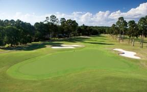 岩石溪高尔夫俱乐部
