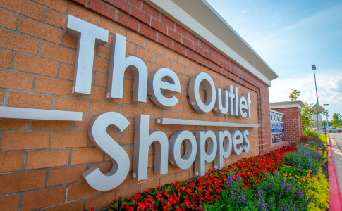 The Outlet Shoppes is a premier outlet shopping center in Atlanta. It is home to nationally known brand name designer stores in an outdoor environment. For full functionality of this site it is necessary to enable gravitybox.gaon: Ridgewalk Parkway, Woodstock, , GA.