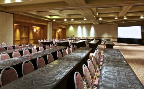 ATLCP_MeetingsandEvents_RaviniaBallroom(Classroom).jpg